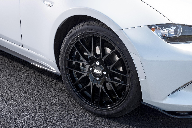 Close up of Mazda MX-5 alloys
