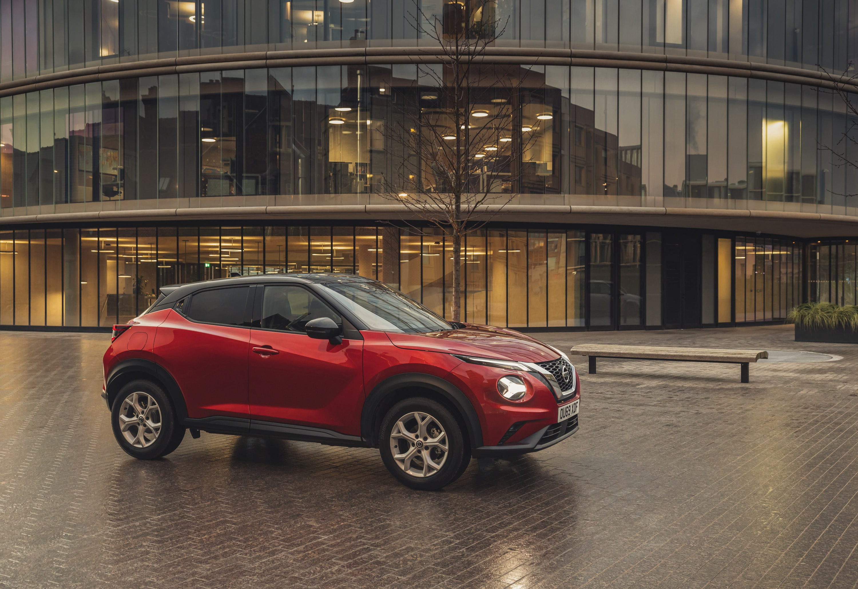 Side view on the Nissan Juke