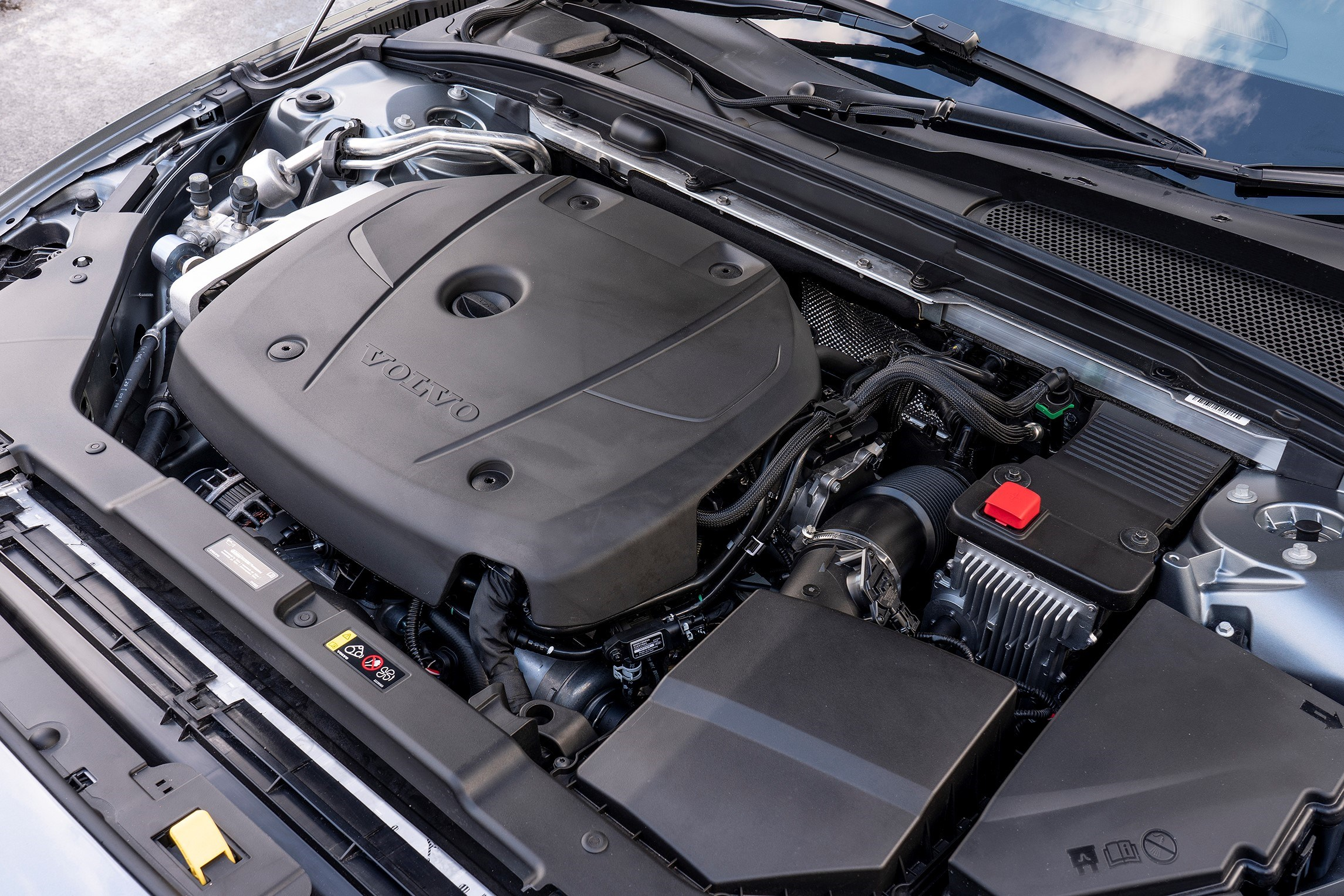 Under the bonnet of a Volvo S60 T5