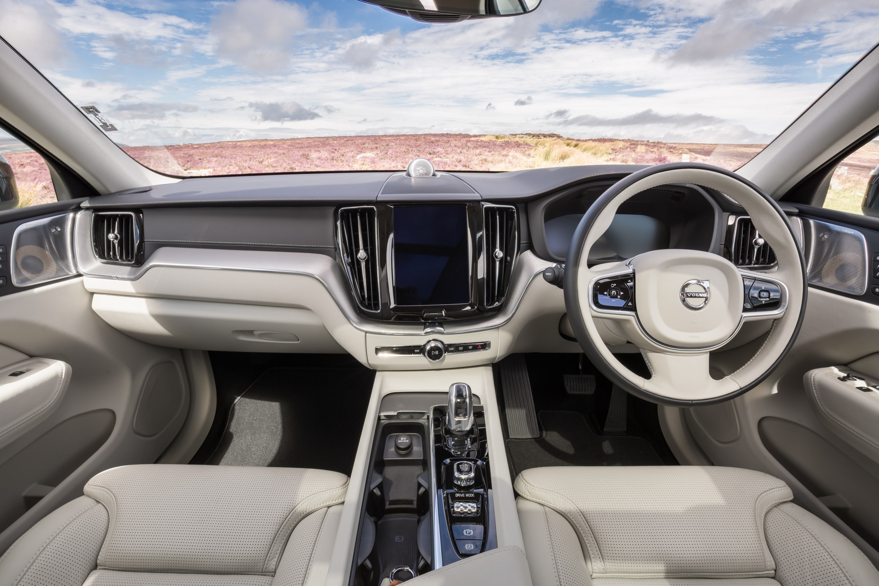 interior of Volvo XC60 T8