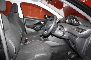 PEUGEOT 208 1.4 HDi Active 5dr