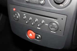 RENAULT CLIO 1.2 TCE Dynamique 3dr [AC]