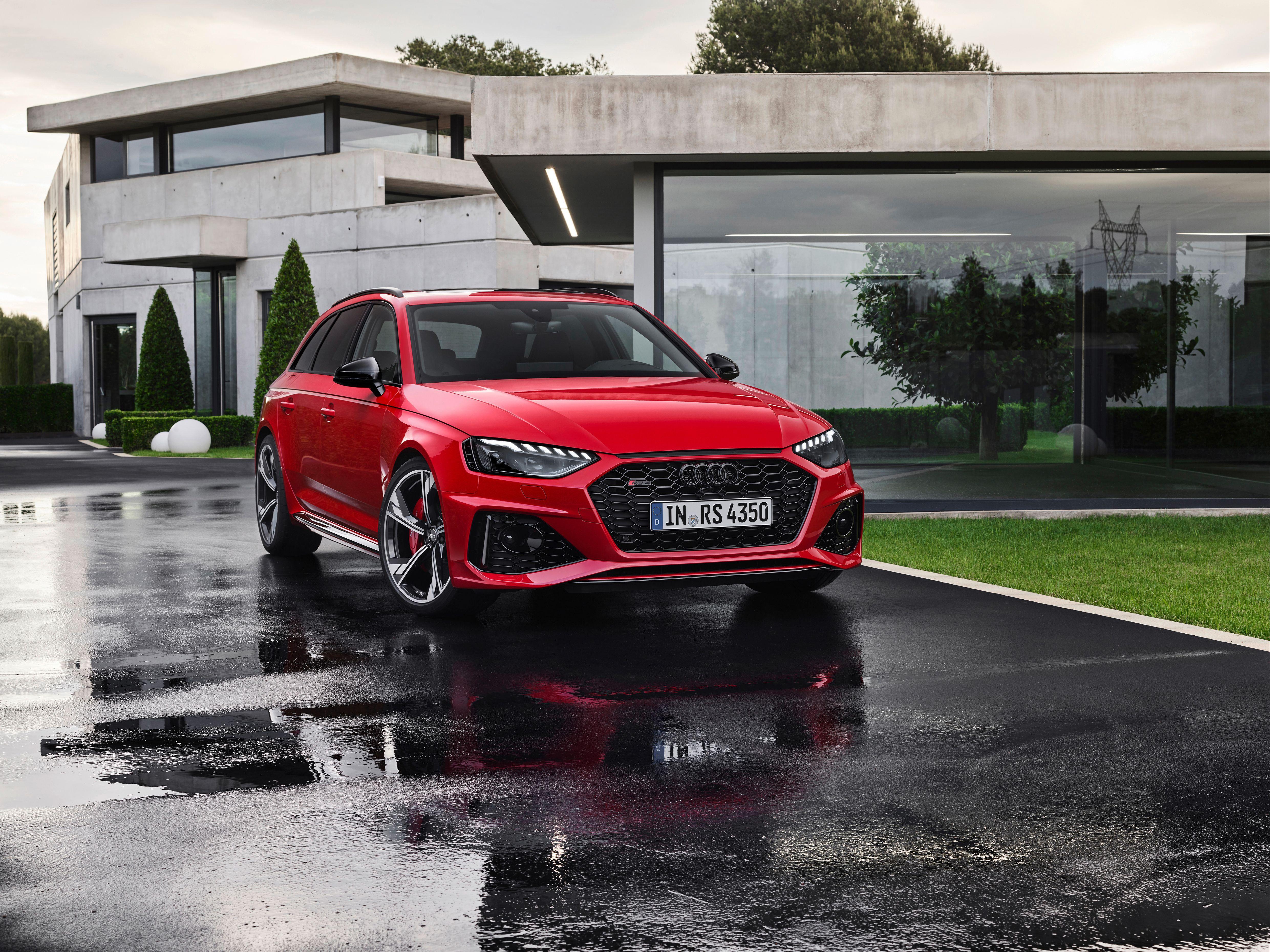 parked Audi RS4 Avant