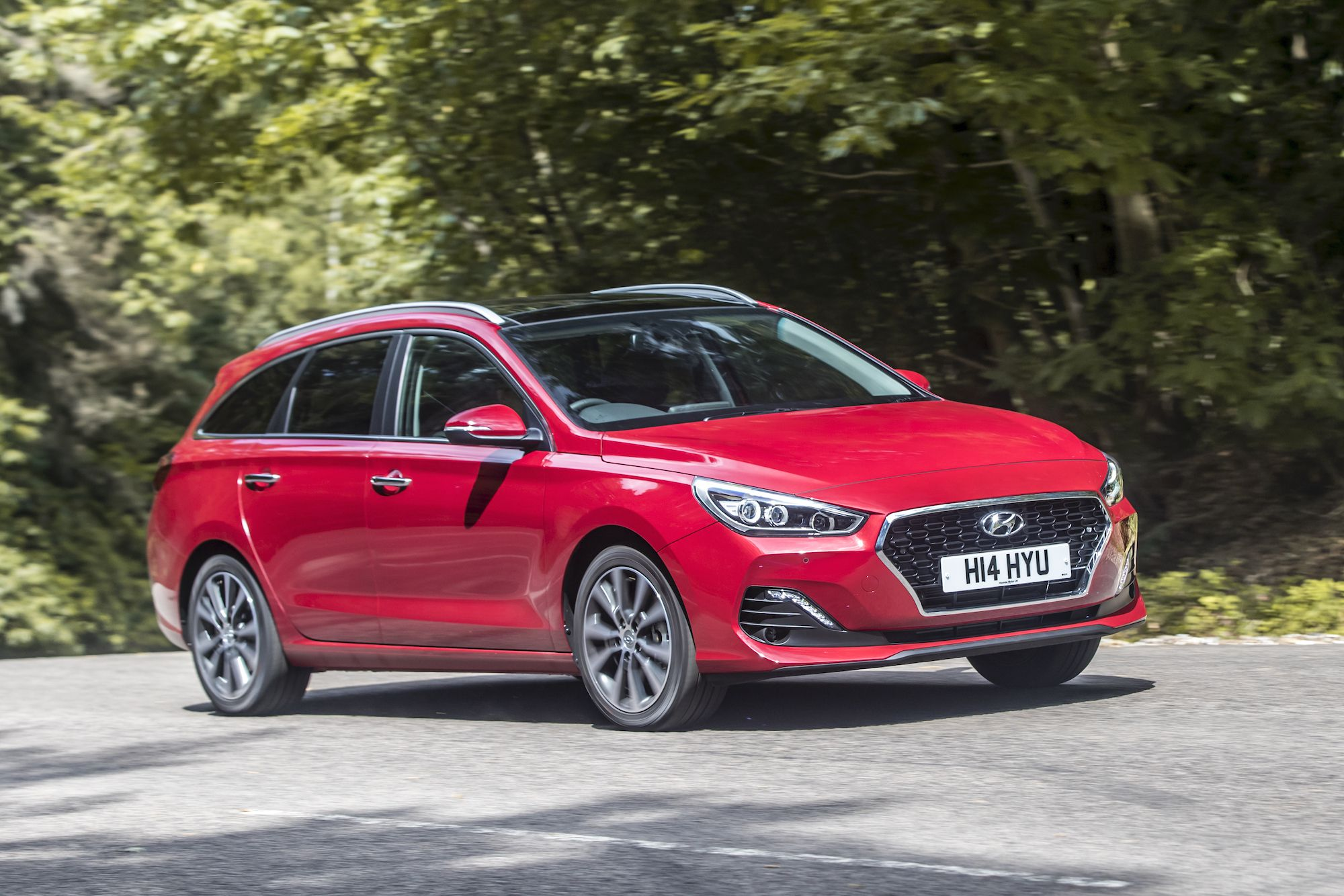 Red Hyundai i30 Tourer