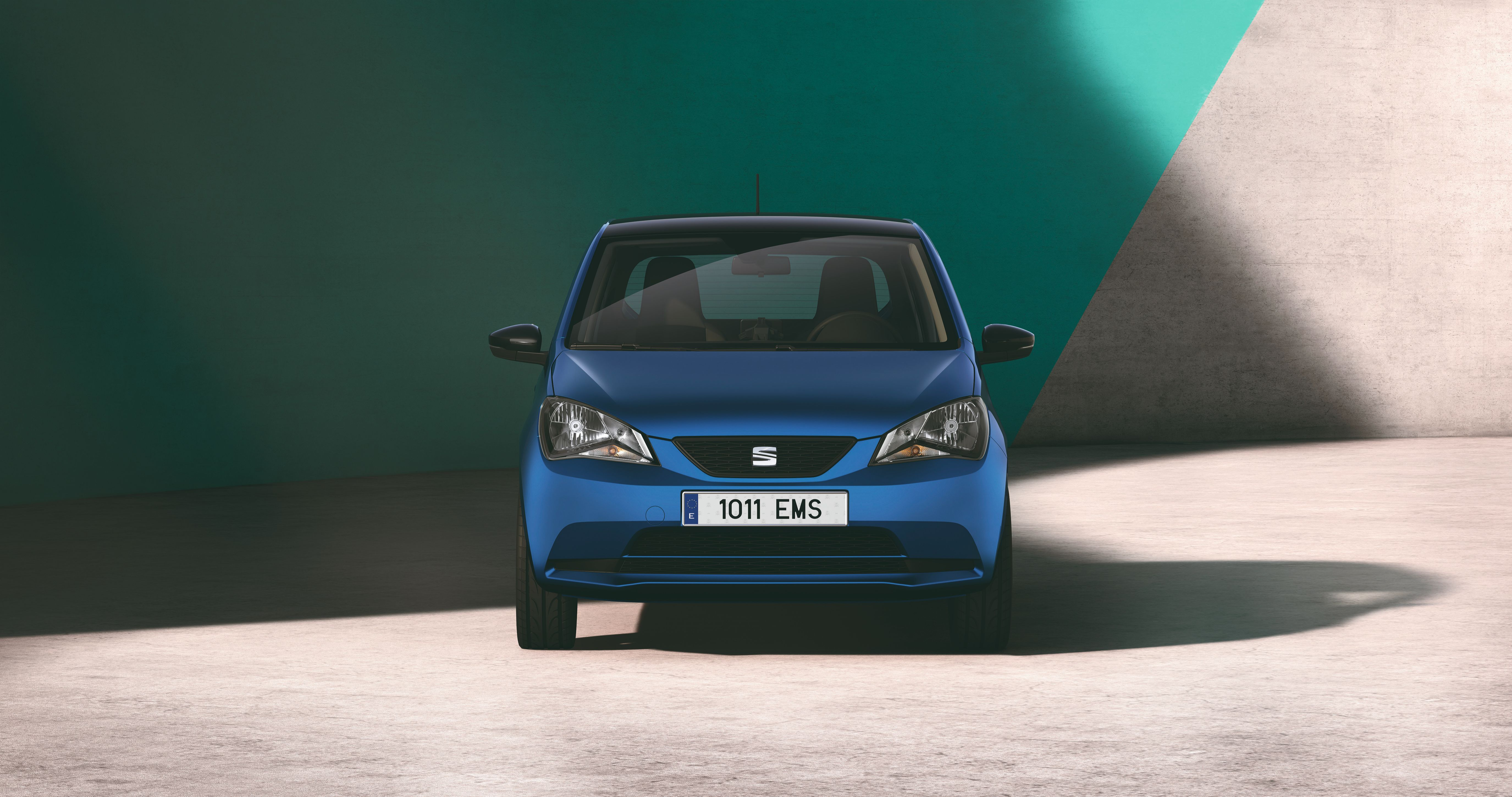 Front view of the SEAT Mii electric