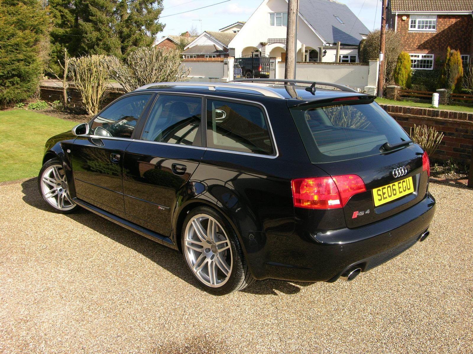 Black Audi RS3 Avant on driveway