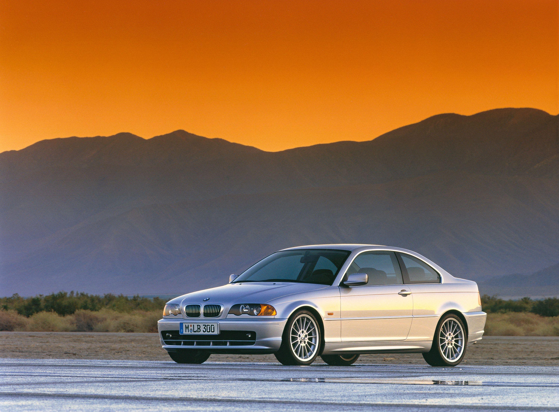 BMW 330 PARKED