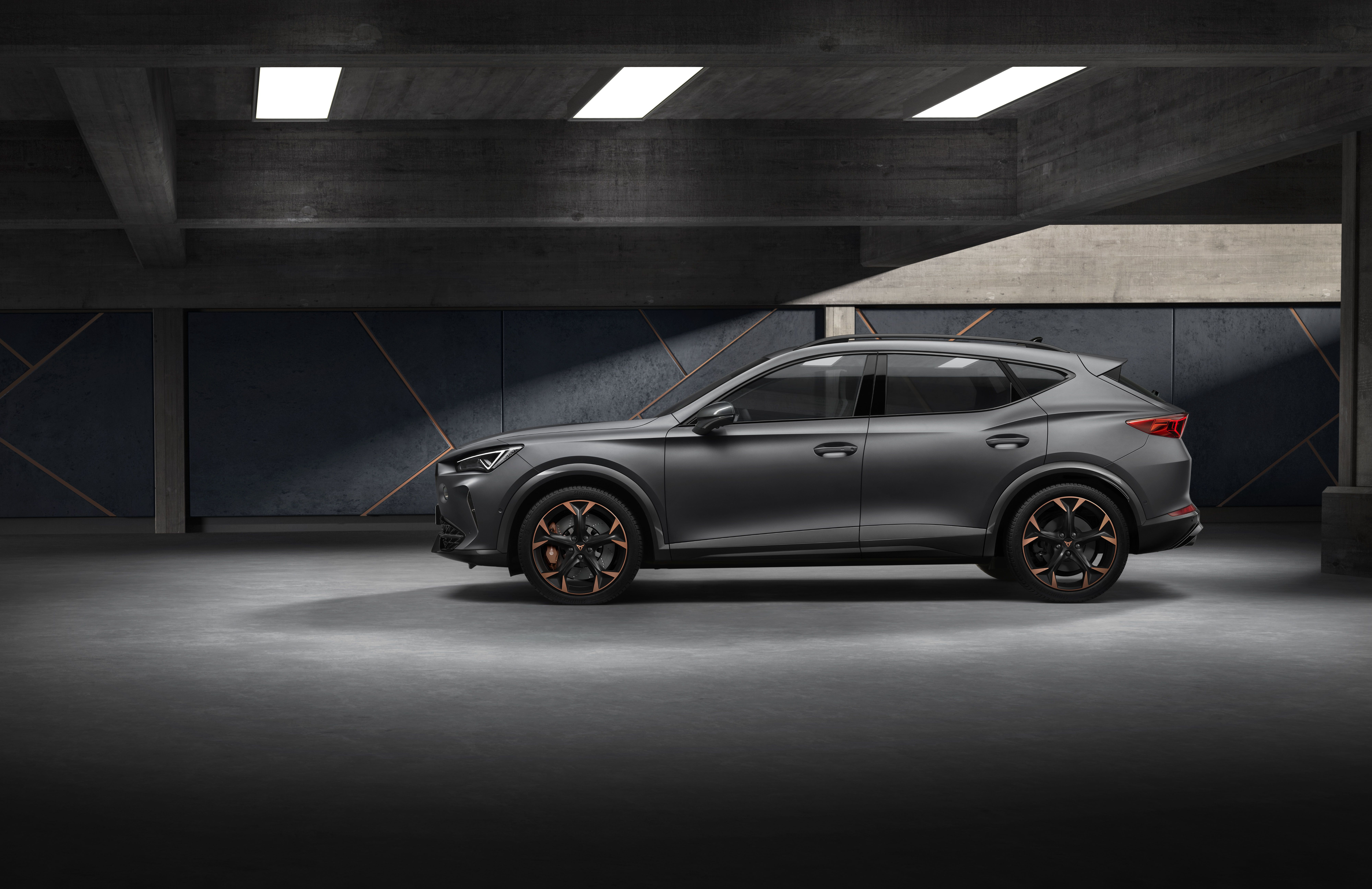 Side view of the CUPRA Formentor