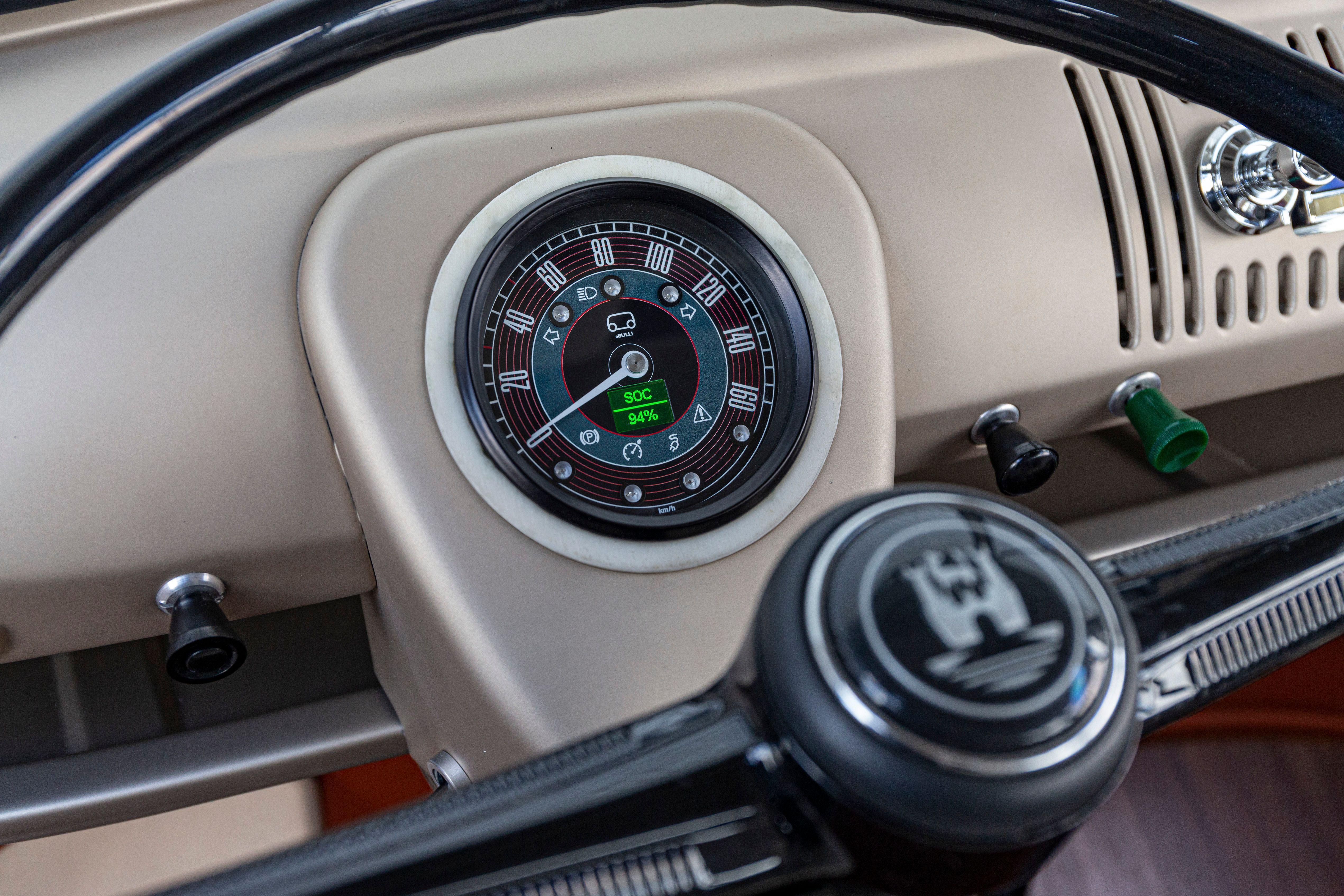 e-Bulli speedometer