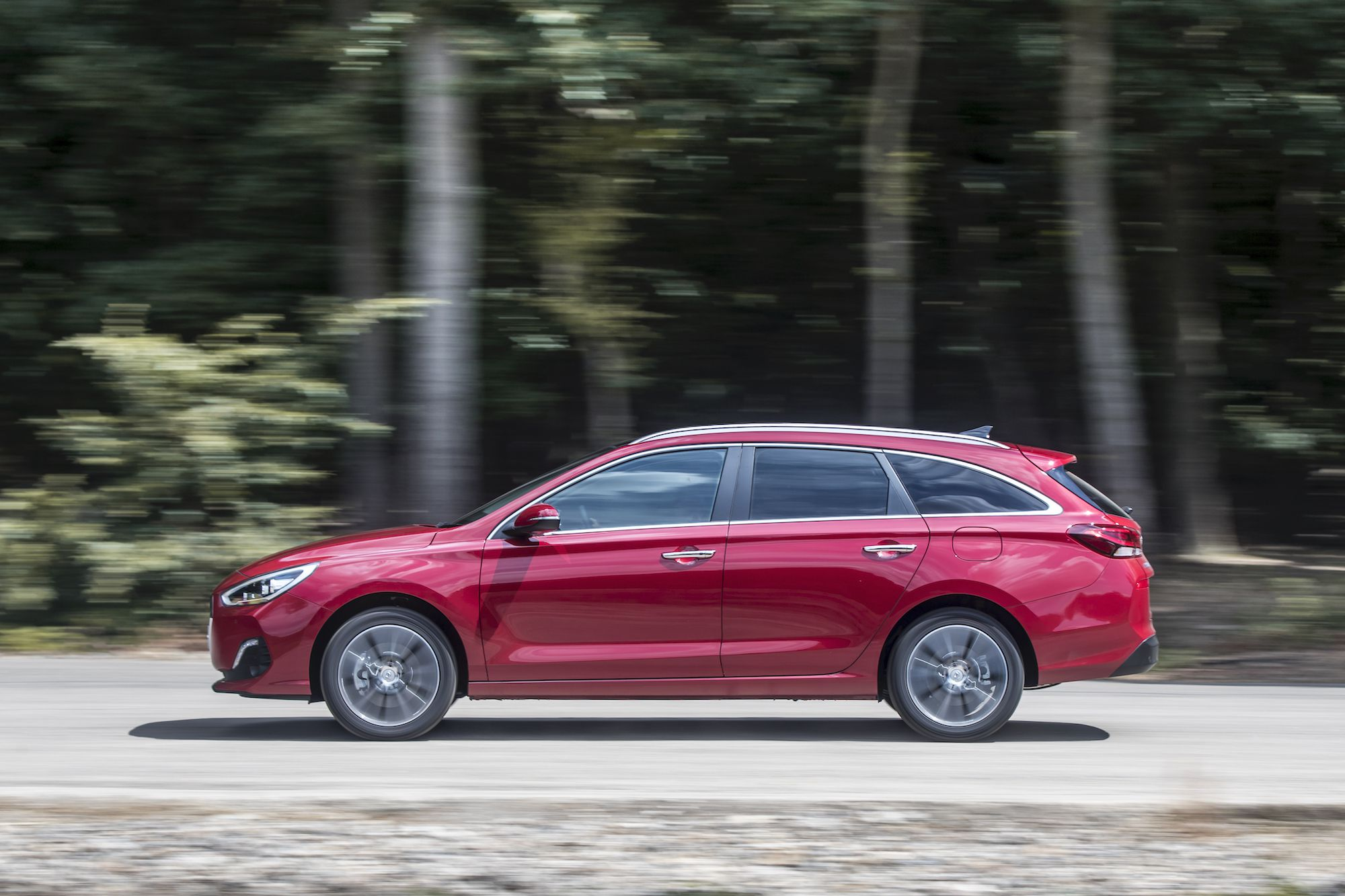 Hyundai i30 Tourer driving
