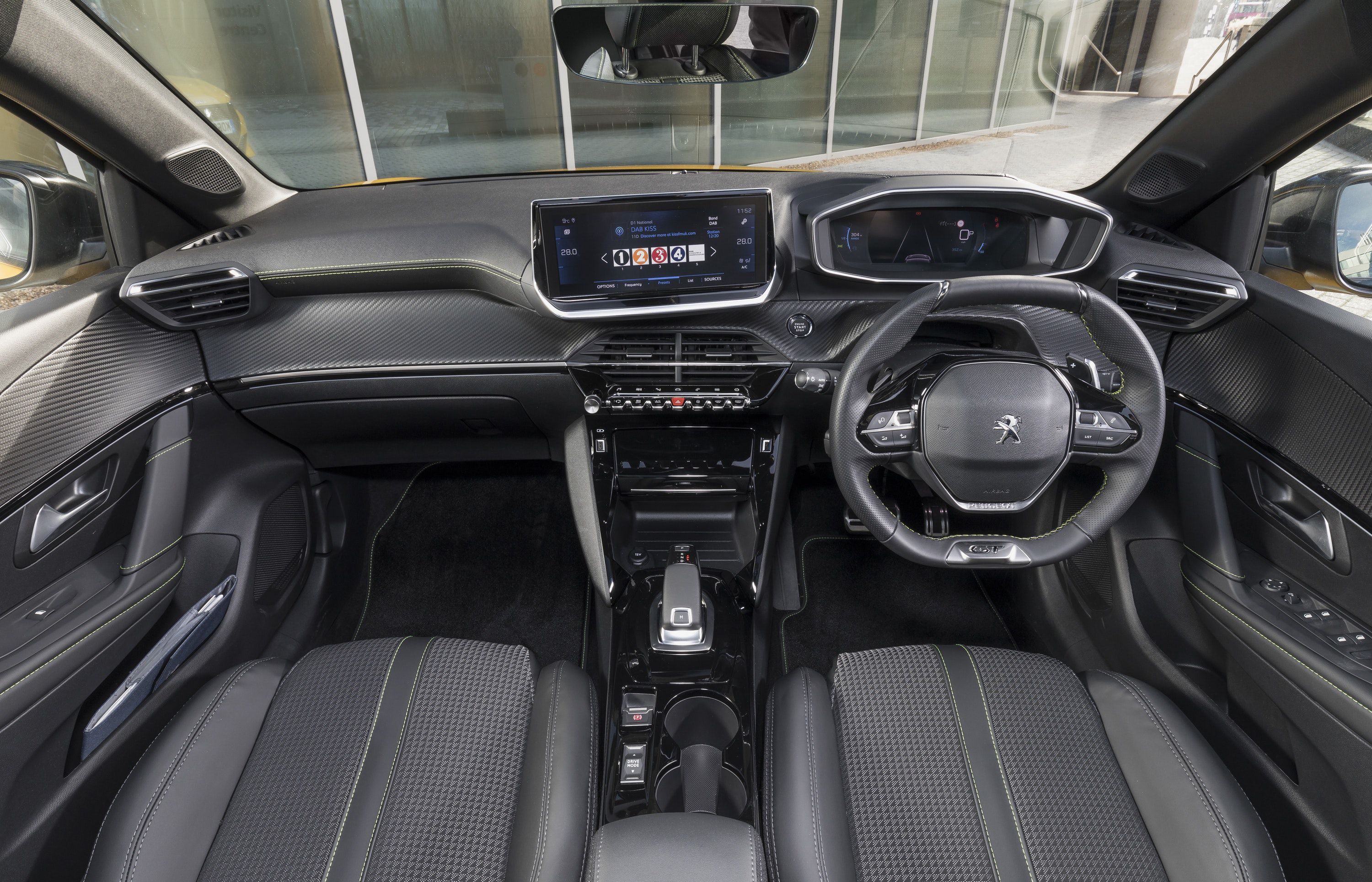 Front of the 208 interior with i-cockpit