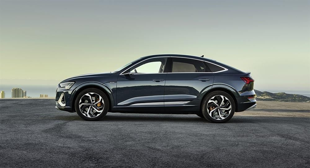 Side view of the Audi E-tron