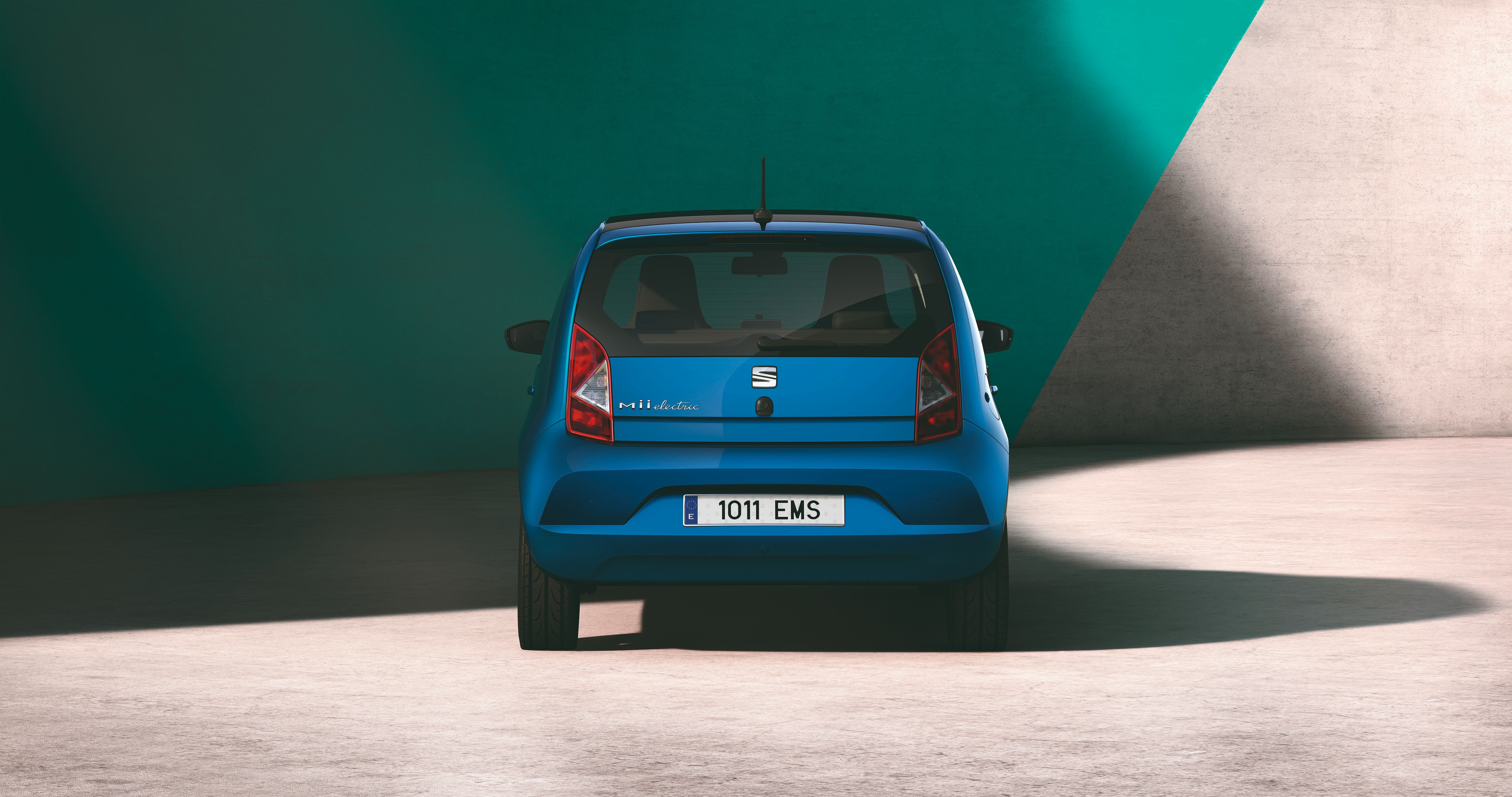 rear view of SEAT Mii electric