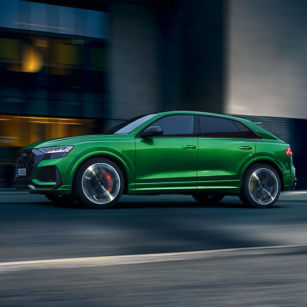 green rs q8 on road