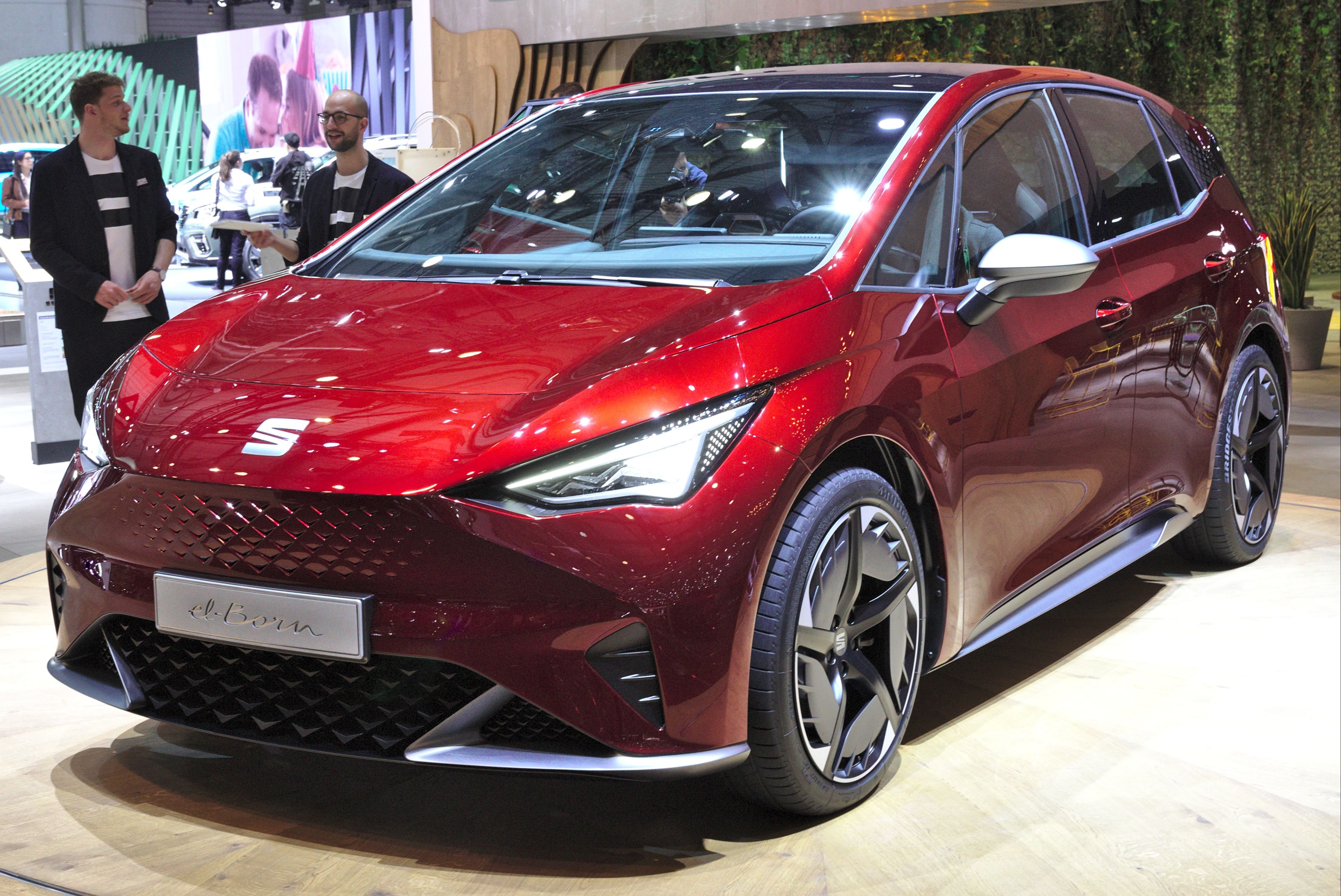 SEAT el born unveiling in red at Motor Show