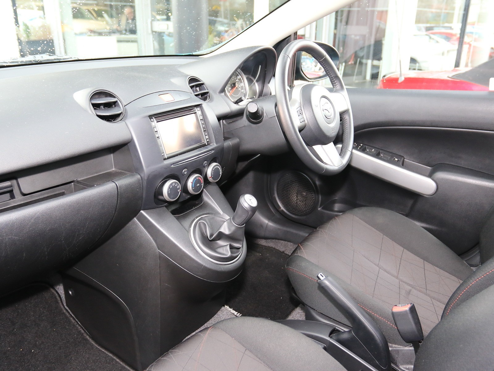 Kekurangan Mazda 2 1.3 Harga